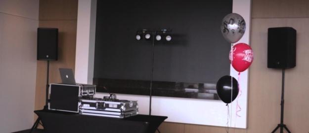 Jessica crop - Anniversaire - Réalisation - Mobil-Tek - Animation - Sonorisation - Éclairage - Évènements - Ville de Québec - Mariage - Animation - Anniversaire -Bal de finissants - Party de bureau - Événements - Soirée thématique - Audio Visuel