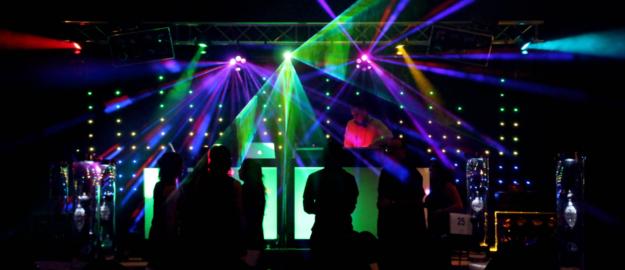 Miralis crop - Party de bureau - Réalisation - Mobil-Tek - Animation - Sonorisation - Éclairage - Évènements - Ville de Québec - Mariage - Animation - Anniversaire -Bal de finissants - Party de bureau - Événements - Soirée thématique - Audio Visuel